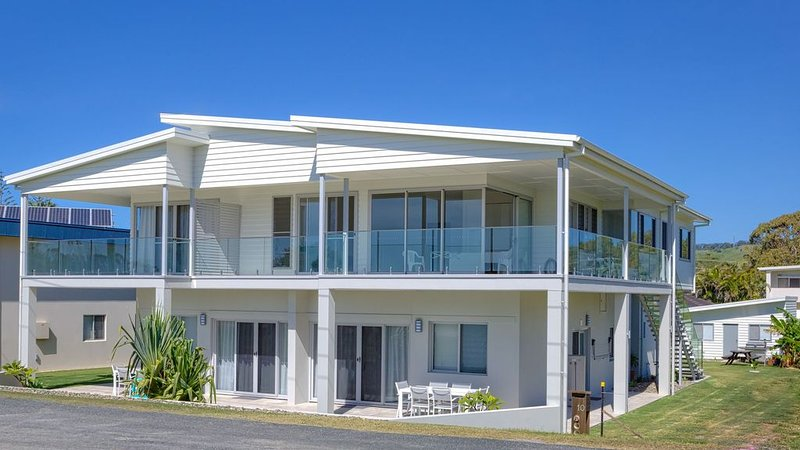Absolute beachfront location, holiday rental in Mullaway