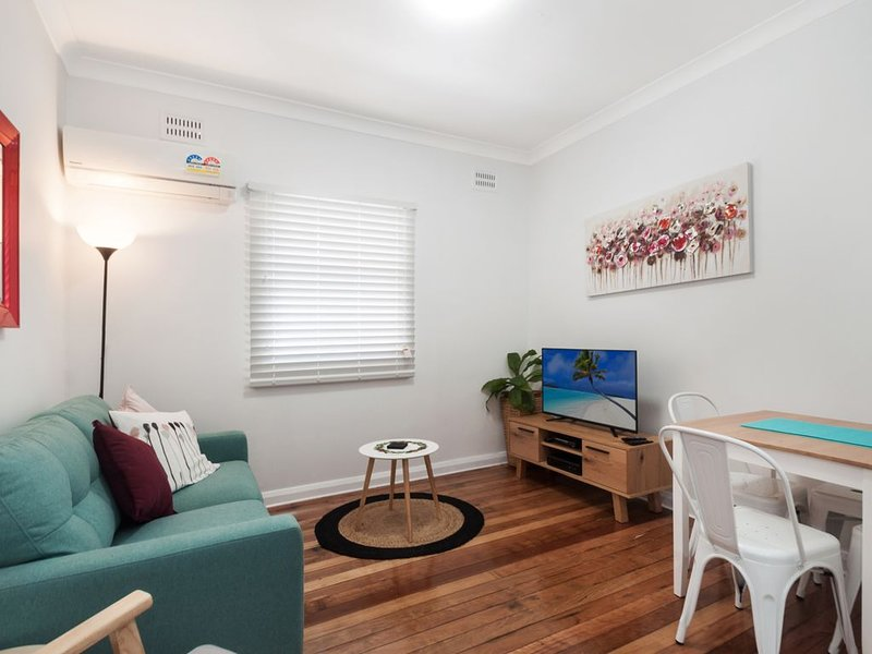 Unit 2 - Osborne walk to the Wollongong CBD, holiday rental in Thirroul