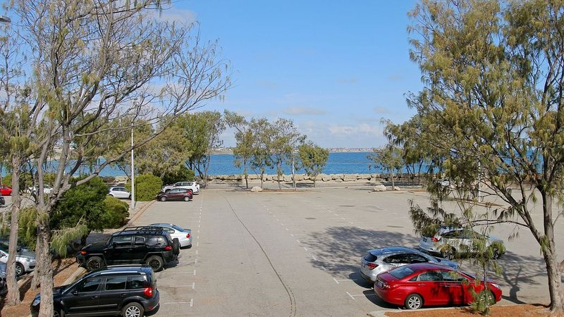 Hillarys Marina Apartment, holiday rental in Joondalup