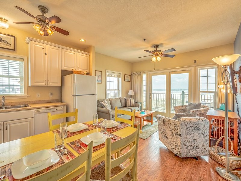 Nelton's Nest - Magnificent 2 Bedroom Durant Station Condo Home in Hatteras, vacation rental in Hatteras