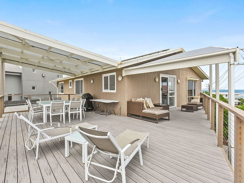 11 Hero Avenue - Your Family Seaside Home, holiday rental in Middleton