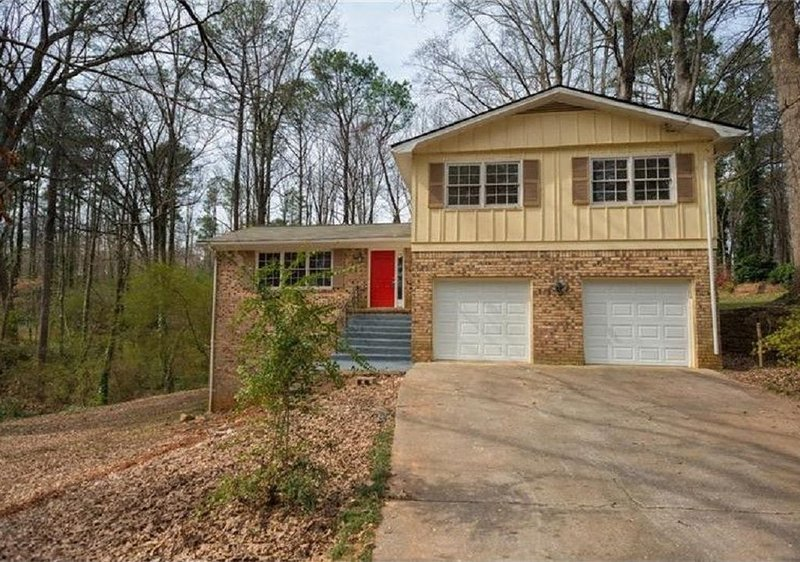 Spacious 4BR Home in Stone Mountain, location de vacances à Stone Mountain