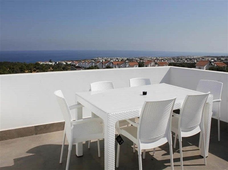 Premium apartment Private Garden, holiday rental in Macka