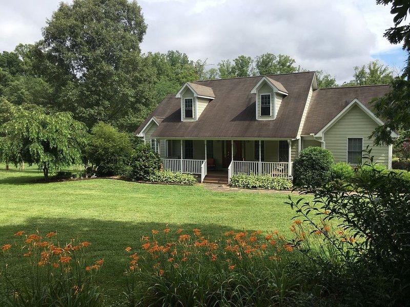 Maple Creek Farm - Fall leaves peaking soon!, holiday rental in Rutherfordton