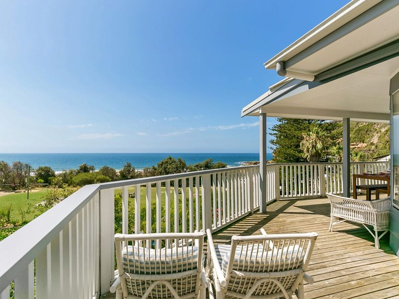 Salty Air Beachside Cottage at Killcare, holiday rental in Killcare