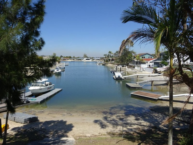 5 Westringia Place - Wonderful waterfront home, vacation rental in Yamba