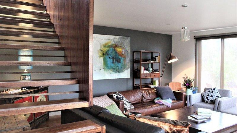 Spectacular 3 bedroom home in the tree's, holiday rental in Glenlyon