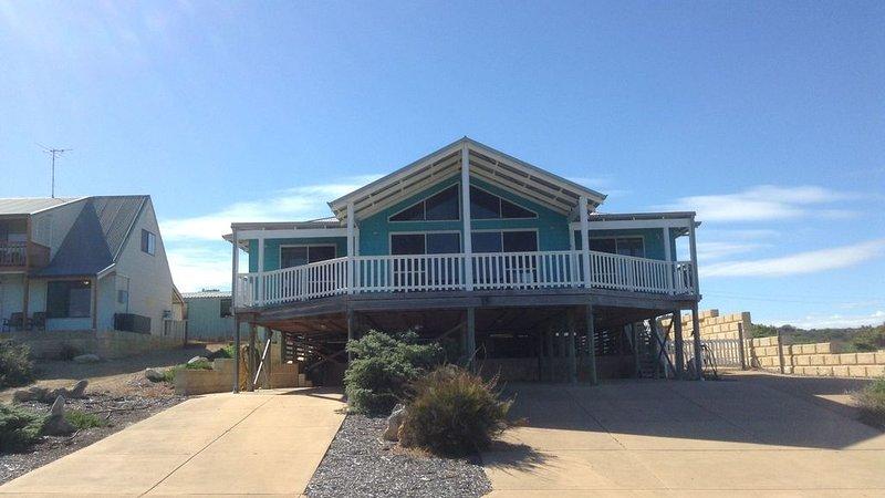 N.V.S. Views in Seabird, holiday rental in Woodridge