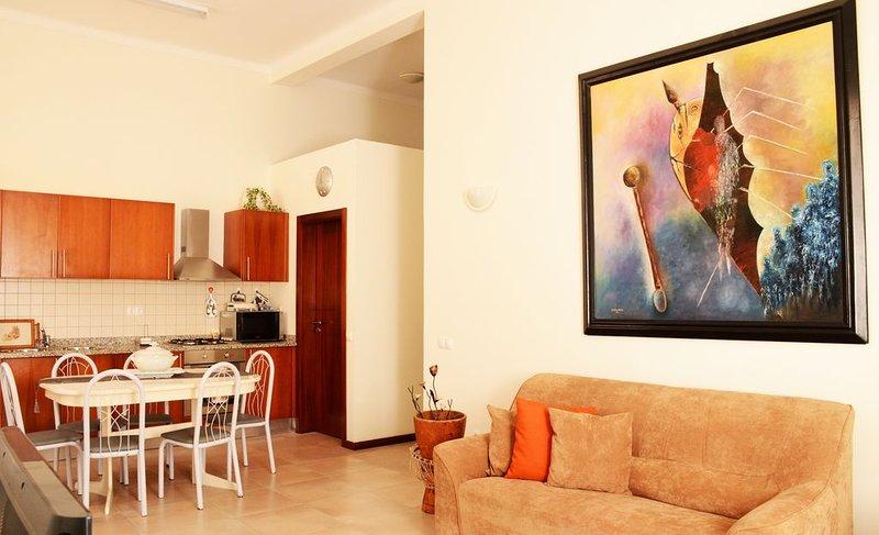 Mindelo Apartment in City Center, vacation rental in Porto Novo