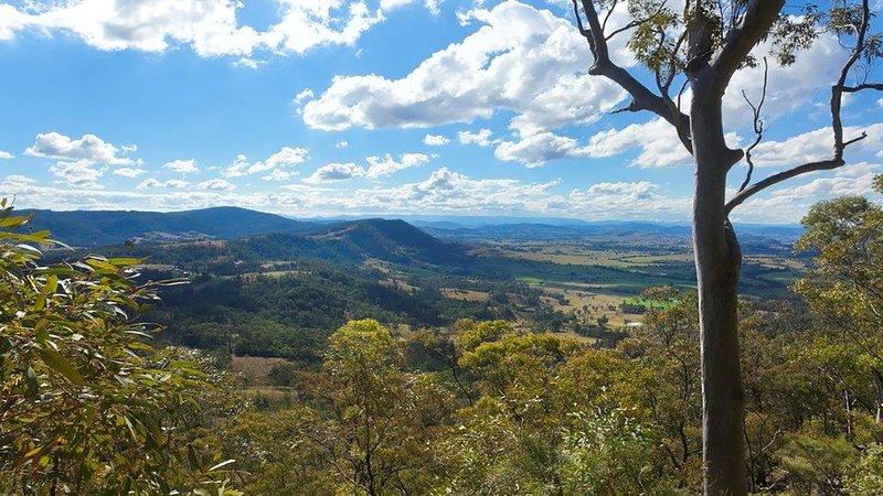 Kangaloo Lodge Mountaintop Retreat, holiday rental in Morpeth