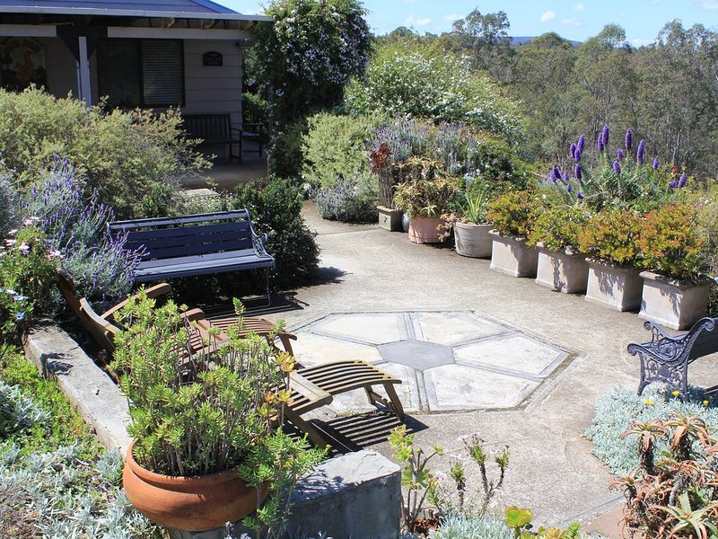 Valley View Cottage & Acres Hunter Valley Wine Country, holiday rental in Cessnock