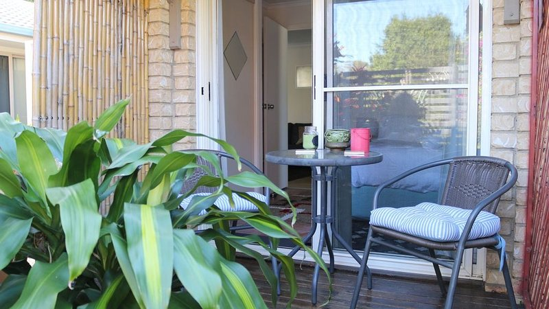 Studio Apartment- wifi , aircon & fully sterilised, holiday rental in Byron Bay