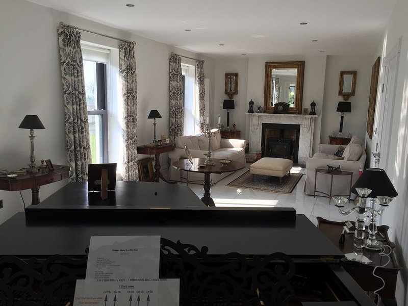 Farmhouse  Boutique, holiday rental in Listowel