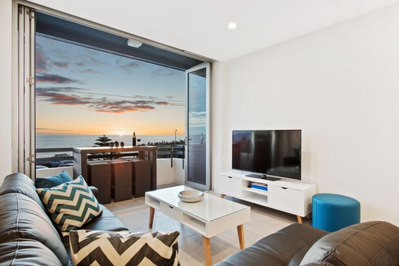 Belle Vista apartment absolute beach front w/ Free WiFi, alquiler vacacional en Greater Adelaide