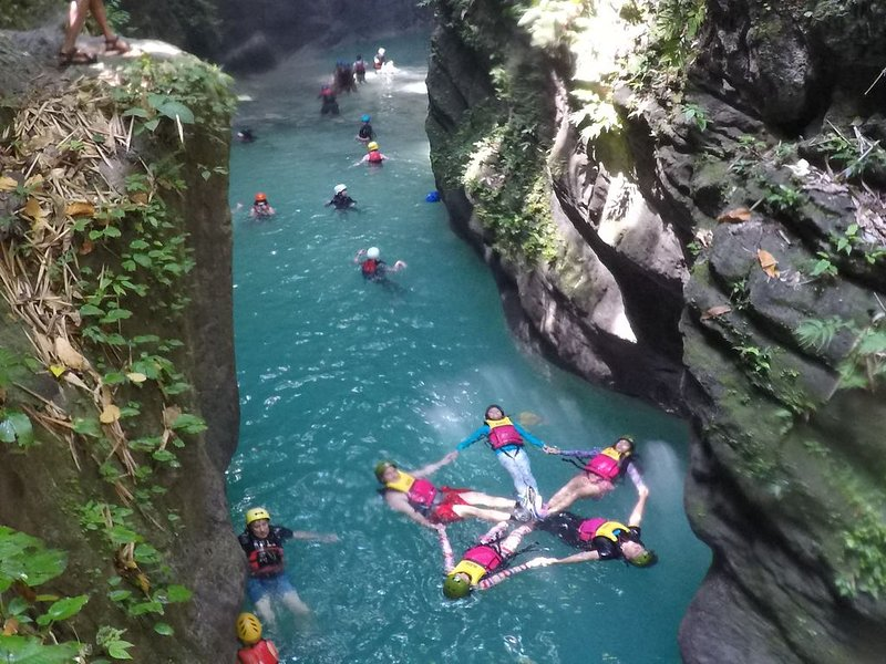 Soul Travellers Canyoneering Joyful/Glorious room., holiday rental in Argao