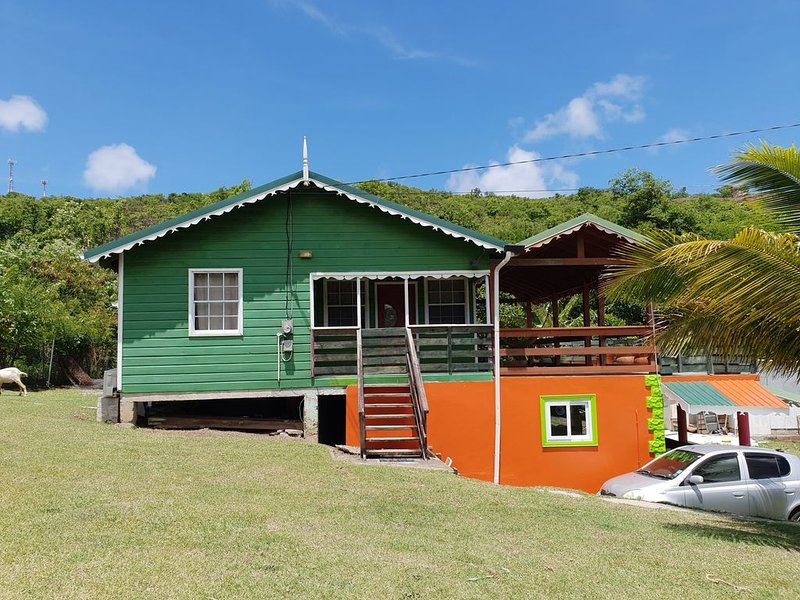 Seawind Cottage #3- Traditional St.Lucian Cottage close to  Beach & Gros Islet, holiday rental in Cas En Bas