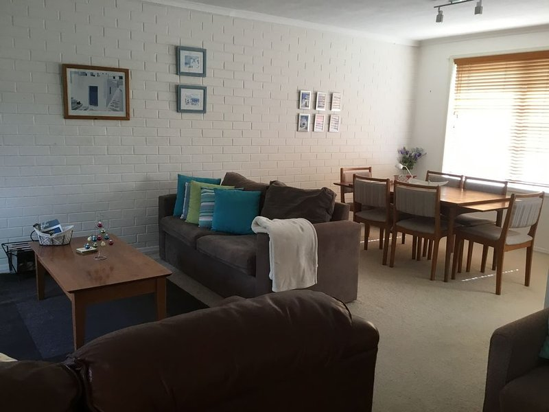 Orton Breeze Over the road from the Beach, vacation rental in City of Greater Geelong
