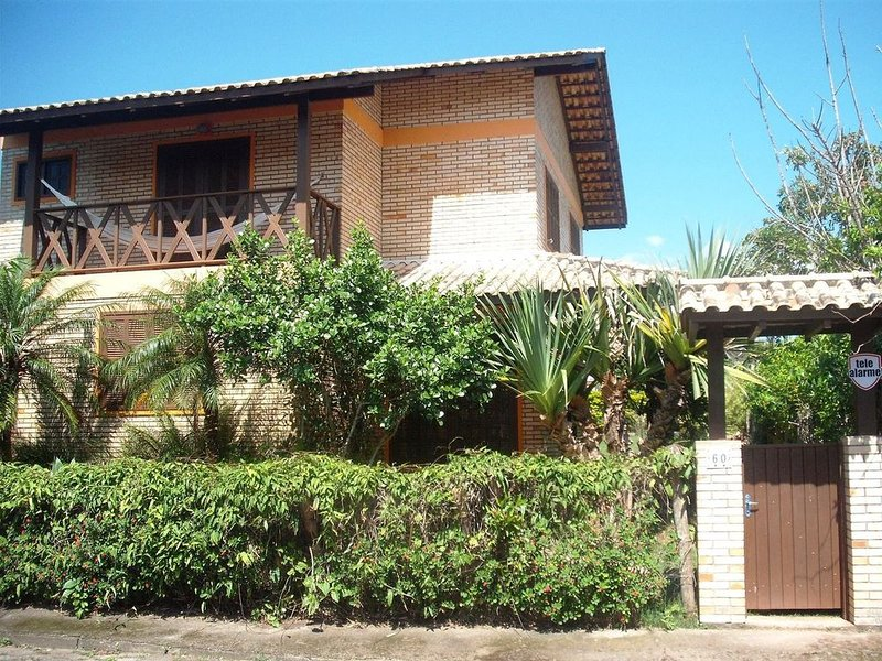 Charming House close to the beach, holiday rental in Penha