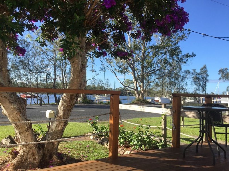 Haven Cottage 2 - Beautiful water front, casa vacanza a Dunbogan