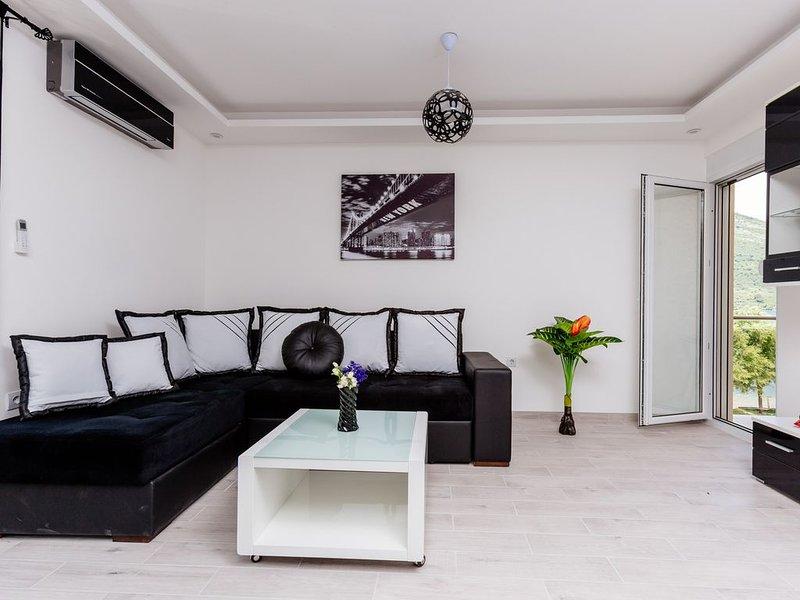 Dream Vacation Apartments- Black Apartment – semesterbostad i Tivat