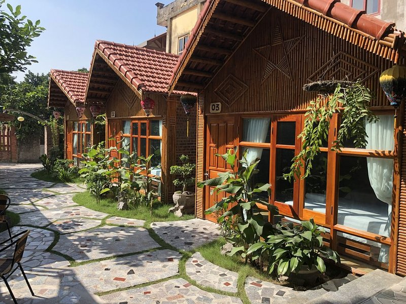 Bungalow with garden view 5 min to Tam Coc and many shop, restaurant..., casa vacanza a Ninh Thang
