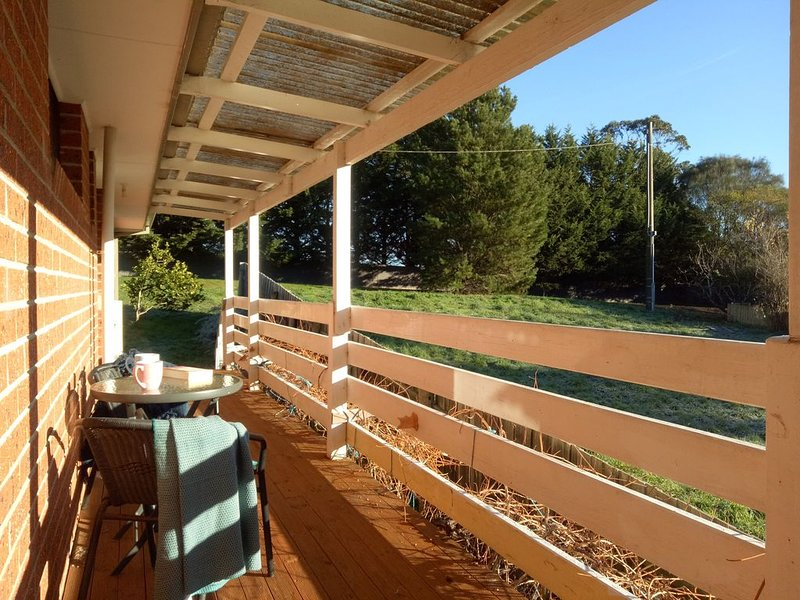 Comfy Family Home & Bungalow (free Wi-Fi), holiday rental in Daylesford