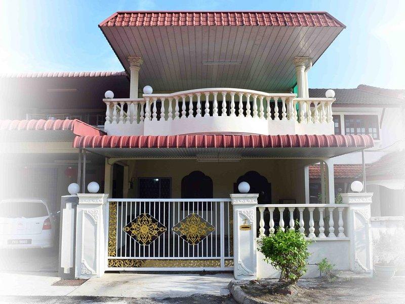 Double Storey House in Seberang Jaya, alquiler de vacaciones en Kulim