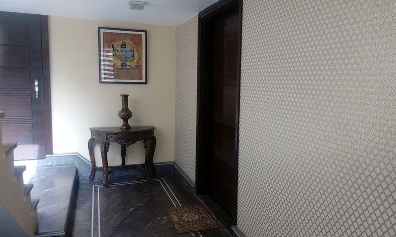 King Style Suite with attacthed drawing(Separate appartment in house, holiday rental in Ludhianar District