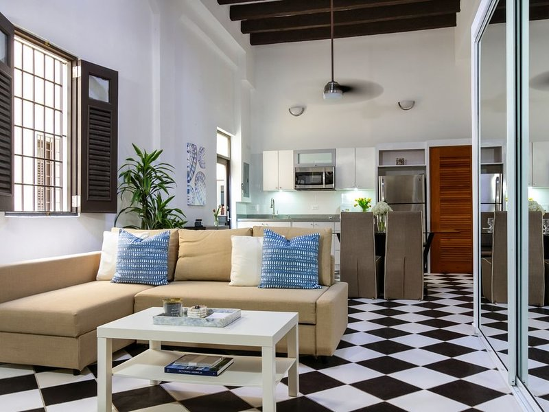Mezzanine Suite | Loft style 1 Bedroom in best location in Old San Juan with Pla, holiday rental in Toa Baja