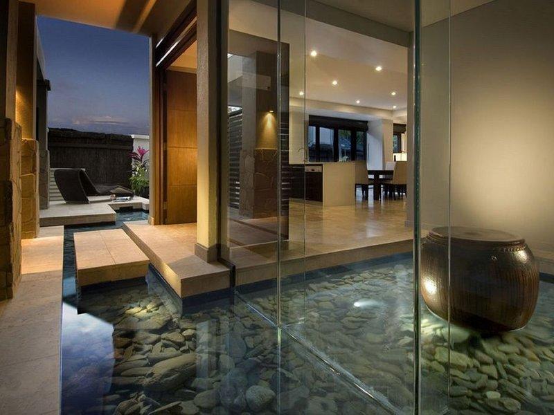 Sea Temple Port Douglas 3 Bedroom Deluxe Villa, casa vacanza a Oak Beach