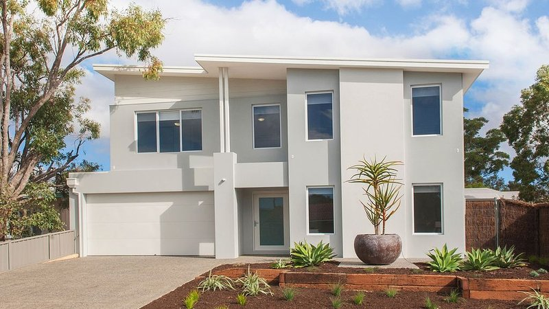 PORTOFINO - Lux in Central Dunsborough, vacation rental in Busselton