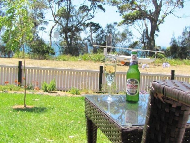 Bayside Beach House Vincentia - Waterside, Modern, Pet Friendly, holiday rental in Jervis Bay