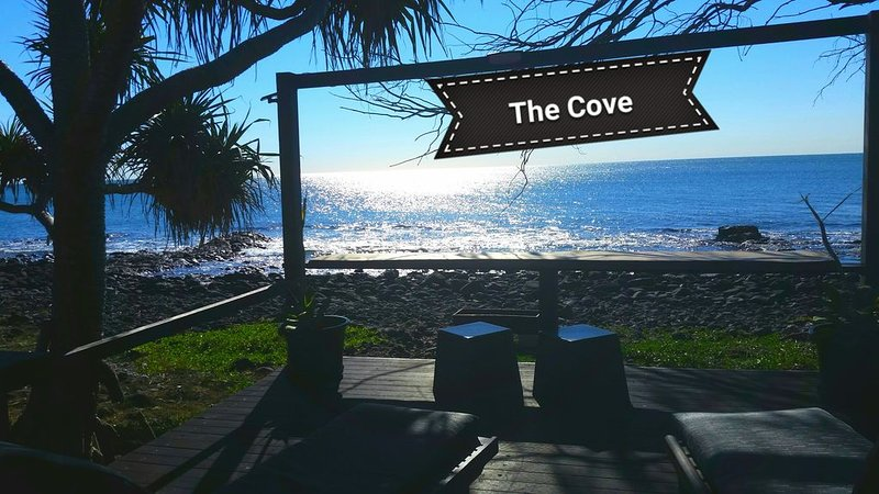 The Cove Oceanfront Getaway Apartment - Pet friendly, vacation rental in Burnett Heads
