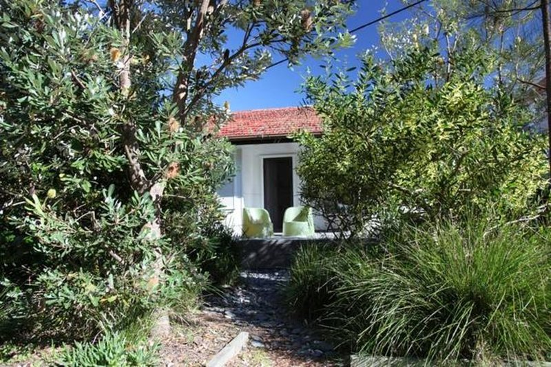 Budgewoi Beach House, holiday rental in Mannering Park