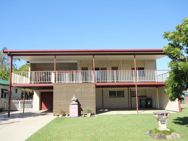 NORTH HEAVEN STATION  28 Alma St, North Haven, holiday rental in Camden Haven