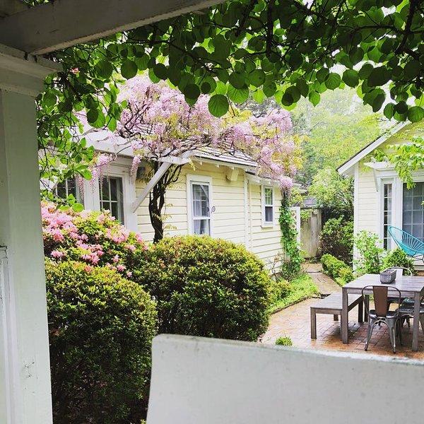Charming East Hampton Beach Cottage, aluguéis de temporada em Springs