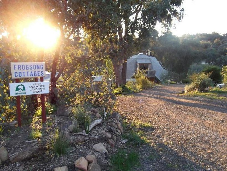 Frogsong Strawbale Cottage RED; ID p9160844, holiday rental in Booroolite