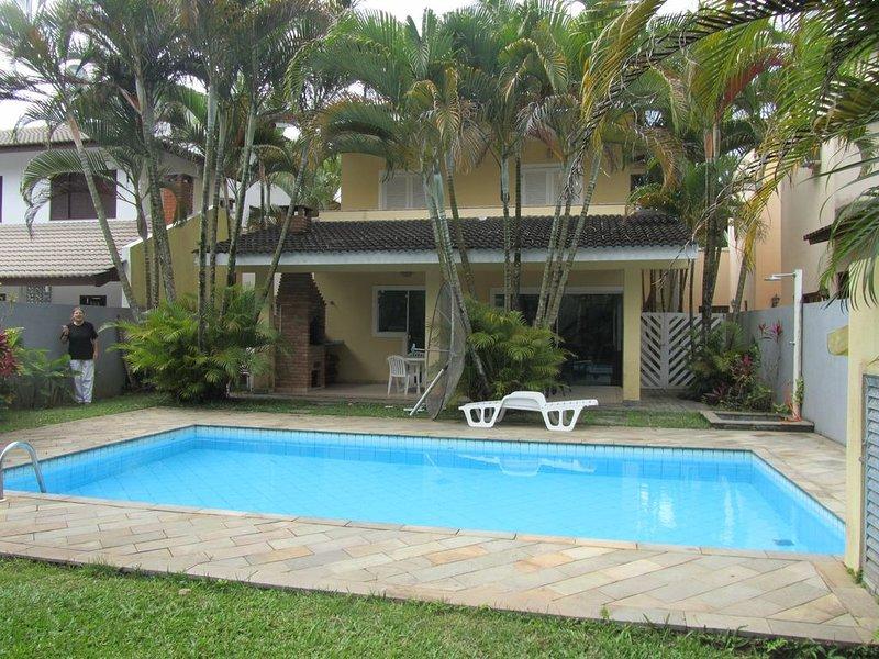 Ótima Casa - 500m da Praia-Módulo 21 -4 dorm - piscina -  até 10 pessoas, aluguéis de temporada em Bertioga