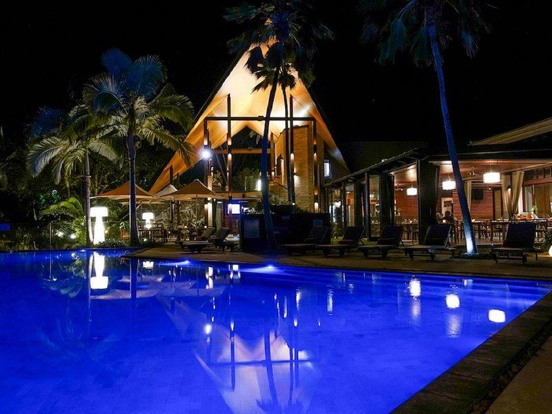 Luxury Villa, 4 Bedrooms, Private Pool, Garden View, holiday rental in Julatten