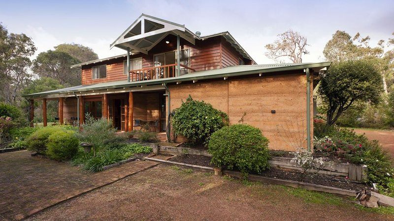 Tanglewood - lovely 6 bedroom holiday home, holiday rental in Margaret River