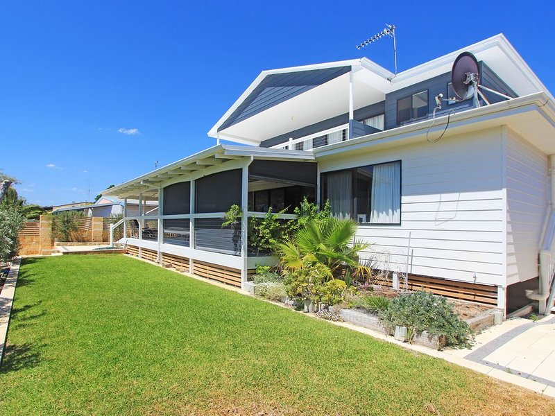 Large Family Home in Jurien Bay with great entertaining area, vacation rental in Jurien Bay
