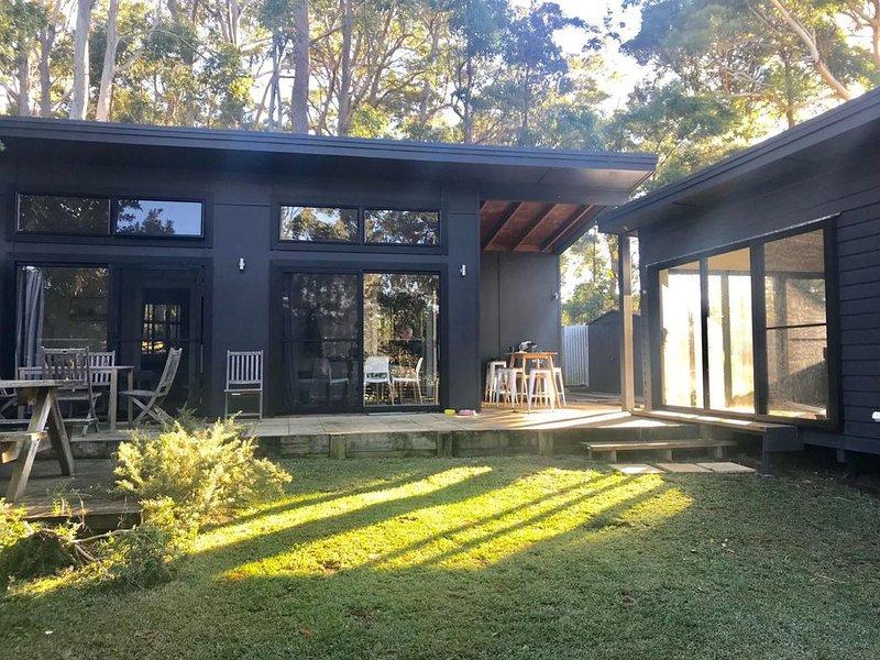 The Getaway - Manyana, NSW, holiday rental in Lake Conjola