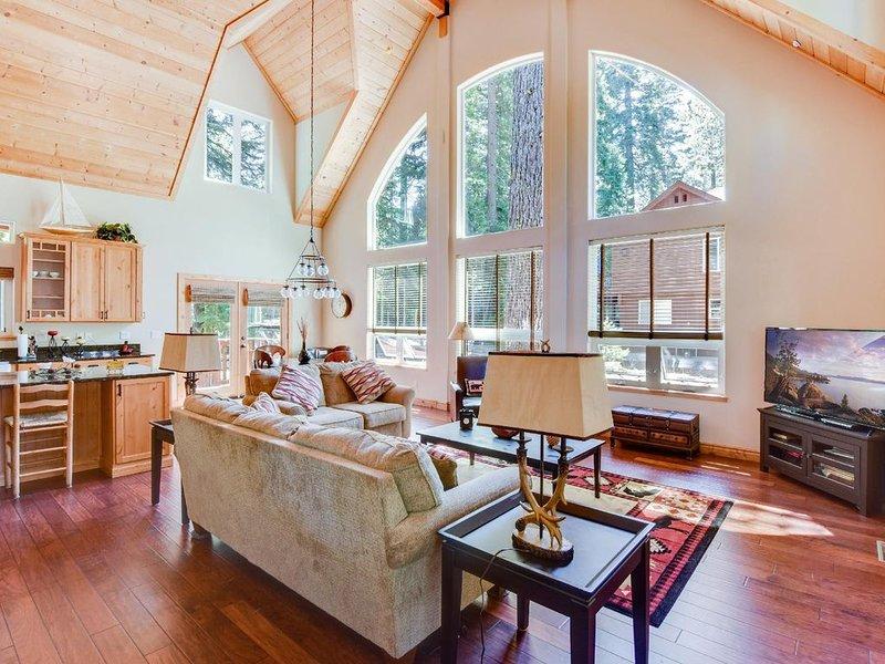 Tahoma Cabin Near Homewood Ski Resort & Lake Tahoe, alquiler de vacaciones en Tahoma
