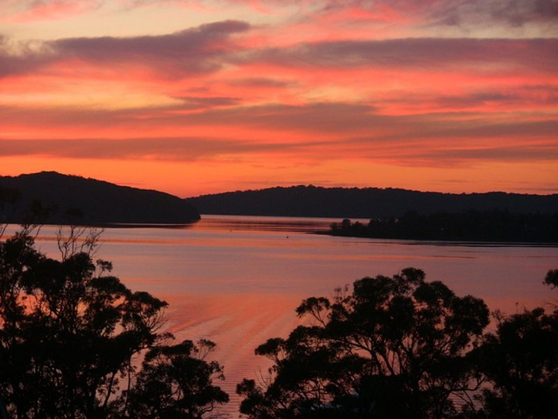 A Lakefront House Escape, vacation rental in Lake Macquarie