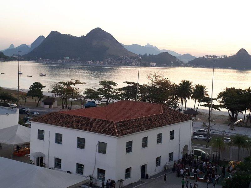 Apartamento confortável com vista para o mar., aluguéis de temporada em Niterói