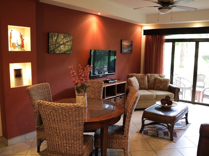 The Oaks # 70 Tamarindo Gated Community Pet Friendly, casa vacanza a Huacas