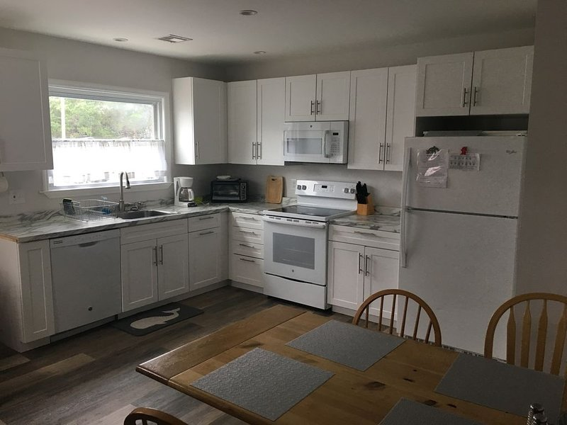 Totally renovated cottage (no prom groups) - 5 min walk to the beach, alquiler de vacaciones en Seaside Heights