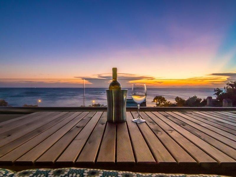 "Best Seaview Attica Apartment ""Sikinos"", holiday rental in Saronida"