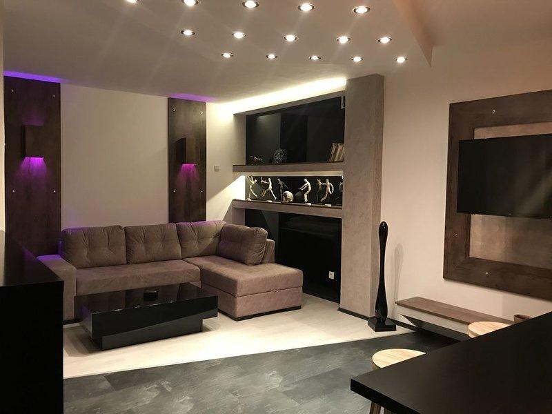 BeoRiver  modern luxury apartment, Ferienwohnung in Obrenovac