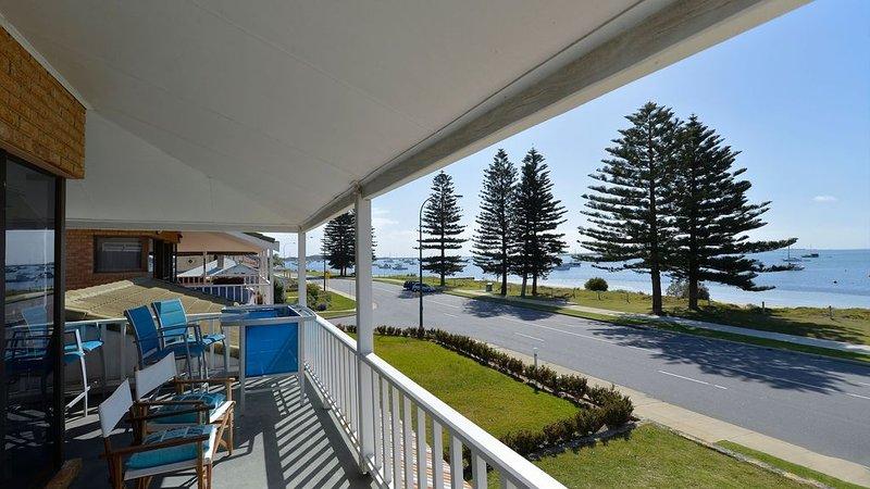 Palm Beach Waterfront, vacation rental in Rockingham
